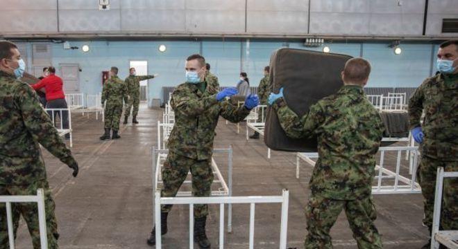 Hospitais militares começam a treinar profissionais para combate à covid-19
