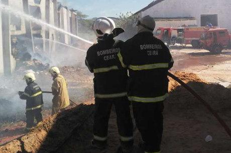 Corpo de Bombeiros acredita em explosão de gás