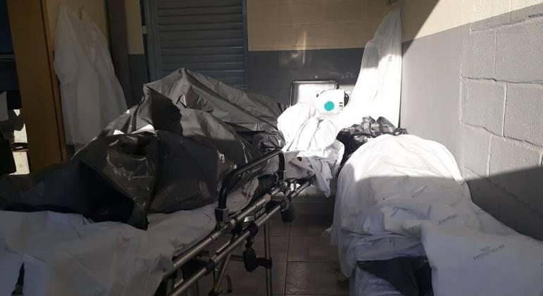 Na última semana, corpo de vítima de covid-19 ficou exposto em UPA de BH