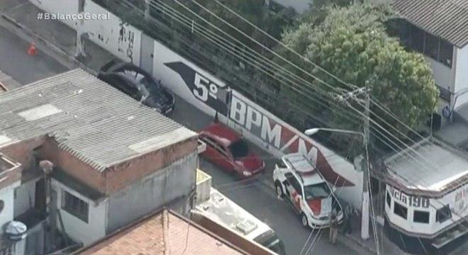 Corregedoria cerca batalhão da PM na zona norte de SP - Notícias - R7 São  Paulo