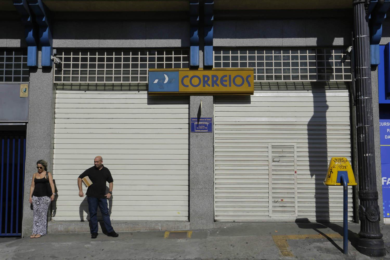 Após assembleia, servidores dos Correios suspendem greve na Paraíba