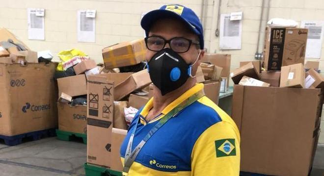 Funcionários dos Correios vão usar máscaras de proteção durante ...