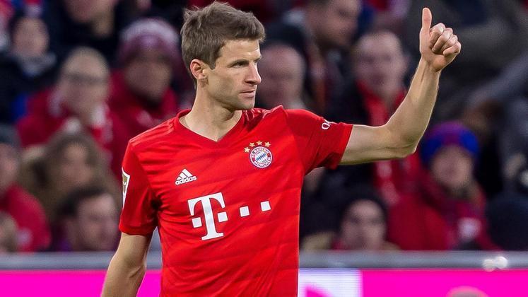 Correm por fora - Müller (Bayern de Munique) - 50 jogos, 14 gols e 26 assistências - Campeonato Alemão, Copa da Alemanha e Liga dos Campeões