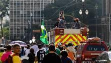 Paulistanos se despedem de Bruno Covas em cortejo pela cidade