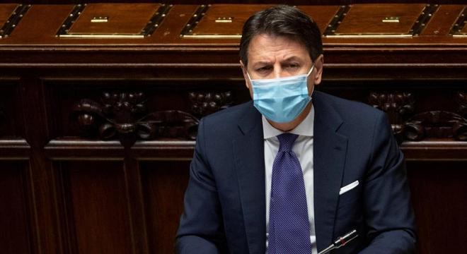 Governo de Giuseppe Conte tenta aprovar novo plano contra a covid-19