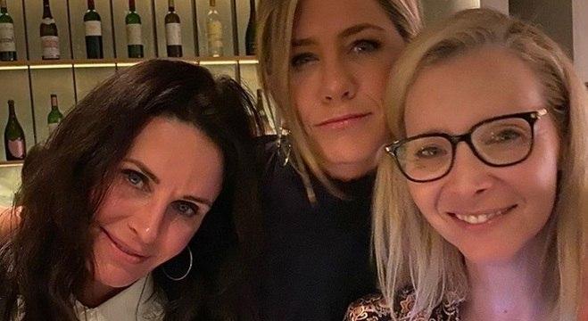 Courtney Cox, Jennifer Aniston e Lisa kudrow sempre se encontram