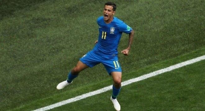 Philippe Coutinho comemora primeiro gol do Brasil na vitória por 2 a 0 sobre a Costa Rica