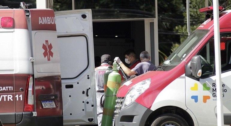 País enfrenta pior momento desde o início da pandemia do novo coronavírus, há um ano