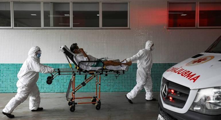 Estoque de oxigênio se esgotou em diversos hospitais em Manaus