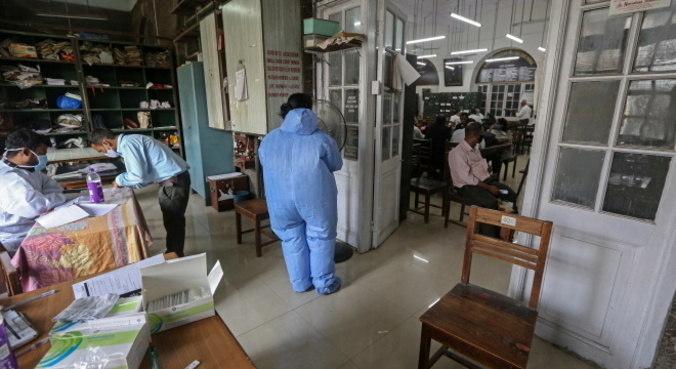 Vírus ativo foi encontrado no ar em laboratório e em hospitais