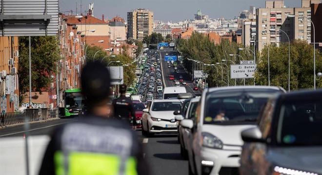 Madri é uma das capitais europeias mais afetadas e tem restrições de mobilidade