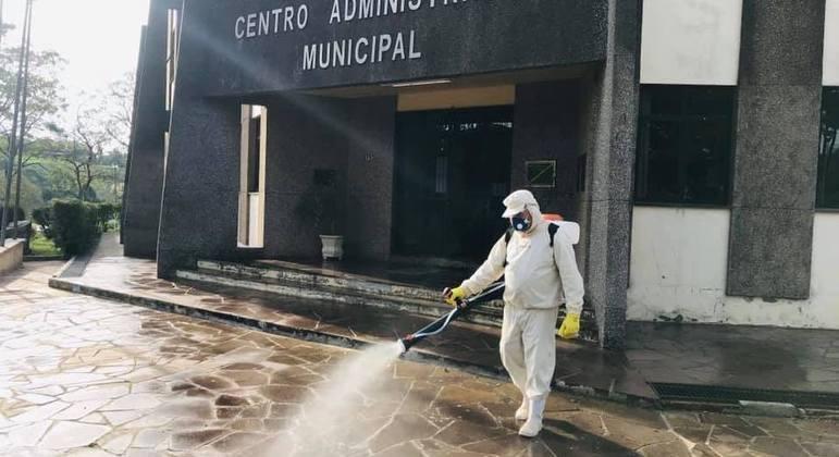 Prefeitura de Pinhal Grande promoveu ações de desinfecção das ruas durante a pandemia