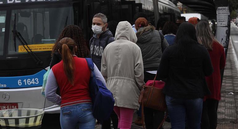 Brasil está entre os países do mundo com aceleração da pandemia