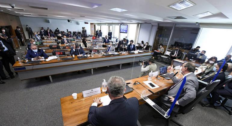 CPI da Covid entra na última semana de oitivas