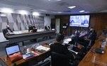 A CPI da Covid aprovou atransferência de dados telefônicos e telemáticos dos ex-ministros Eduardo Pazuello (Saúde) e Ernesto Araújo (Relações Exteriores)e de outras inúmeras pessoas que em algum momento foram ligadas ao governo federal