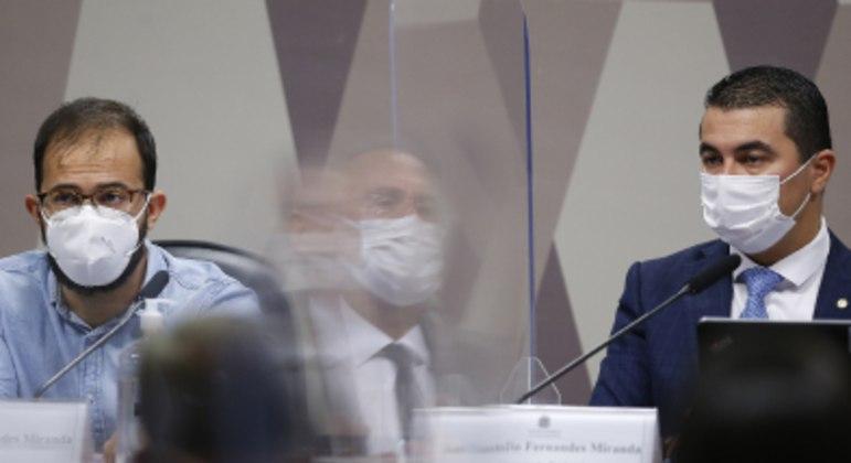 O servidor do Ministério da Saúde, Luís Ricardo Miranda, e seu irmão, deputado Luís Miranda