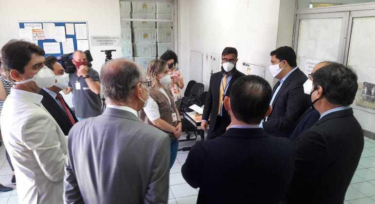 Deputados que integram a CPI dos Fura-fila visitaram Rede de Frios do Estado