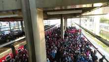 Falha em trens da CPTM causa lentidão e aglomeração em SP