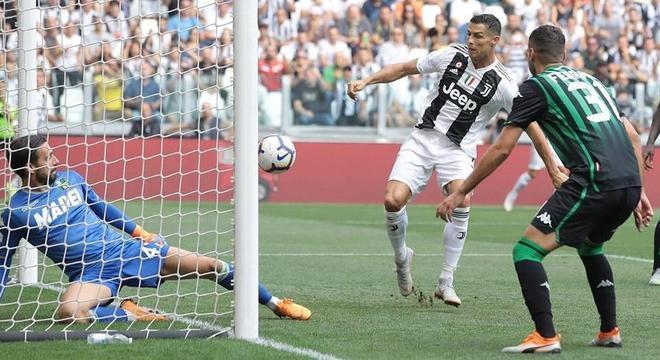 Cristiano Ronaldo, o primeiro gol dos 2 X 0 no Sassuolo em 16 de Setembro