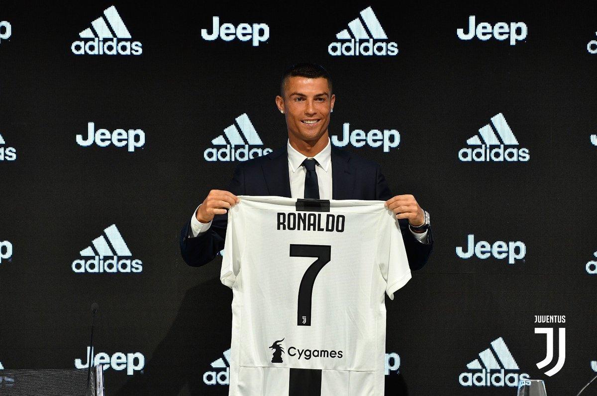 Veja a apresentação de Cristiano Ronaldo na Juventus a46142ece63c3