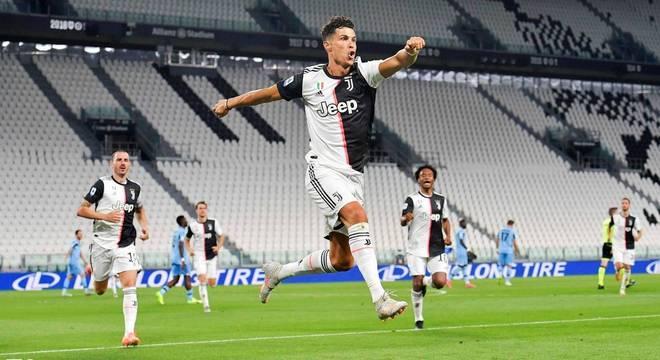 Cristiano Ronaldo, a vibração pelo gol de número 30
