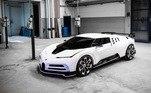 O Bugatti Centodieci, que atinge até 379,805 km/h, está previsto para chegar a garagem do português só no ano que vem