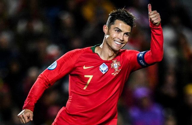 CR7 foi campeão por Sporting, Manchester United, Real Madrid, Juventus e Portugal. Ele conquistou cinco Champions League, três Premier League, uma Copa da Inglaterra, duas Copas da Liga Inglesa, uma Supercopa da Inglaterra, dois Espanhóis, duas Copas do Rei, duas Supercopas da Espanha, dois Italianos, uma Copa da Itália, duas Supercopas da Itália, três Supercopas da Europa, quatro Mundiais, uma Supercopa de Portugal, uma Eurocopa e uma Liga das Nações.