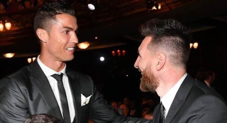 CR7 e Messi, em 2017, ambos ineditamente fora da Champions de 2020/2021