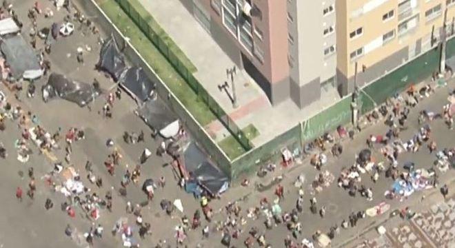 Mesmo em meio à pandemia do coronavírus, ruas da Cracolândia estão cheias