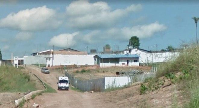 Durante a tranca das celas, dois agentes foram rendidos e 56 detentos fugiram