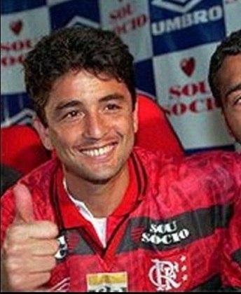 Craque da Seleção Brasileira, o baiano de Salvador Bebeto teve grande passagem no Flamengo. O atacante jogou no clube por mais de seis anos e foi o clube onde mais conquistou títulos na sua brilhante carreira.