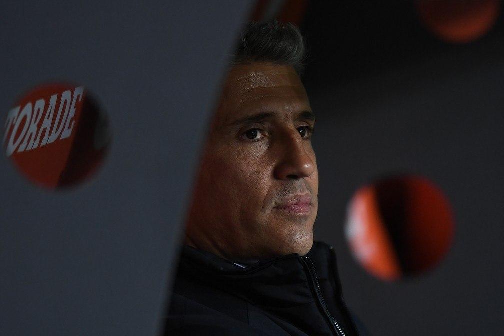 Crespo viu o São Paulo travado pelo Racing. Mas lutou, teve coragem, pelo menos
