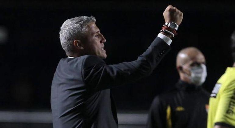 Técnico Hernán Crespo permaneceu por oito meses à frente do São Paulo