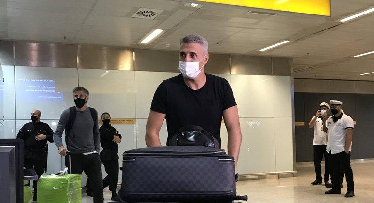 Hernán Crespo desembarca em São Paulo e vai conhecer instalações do tricolor