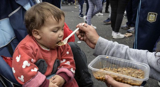 Quase a metade das crianças argentinas está na pobreza, advertiu Unicef