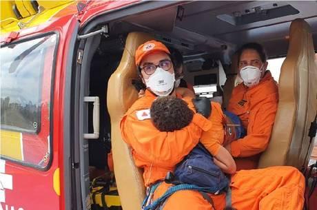 Criança chegou de helicóptero em hospital de BH