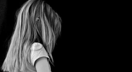 Criança apresentava mudanças de humor e lesões