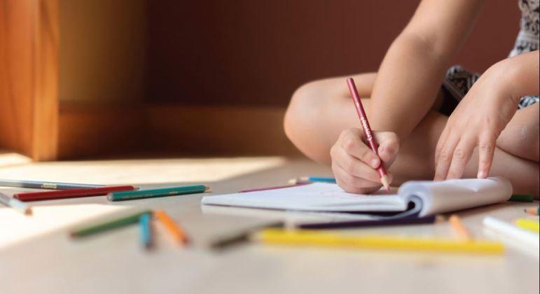 Crianças estão tendo dificuldade no processo de alfabetização durante a pandemia