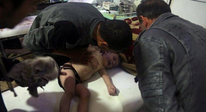 Paramédicos e socorristas: maioria das vítimas eram mulheres e crianças