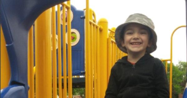 EUA: filho de policial é deixado de castigo em garagem e morre