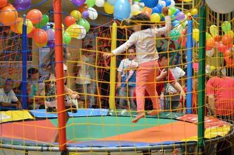 Crianças se divertiram muito no pula-pula