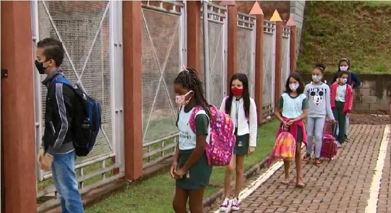 Comissão vai fiscalizar condições e estrutura das escolas para receber os estudantes