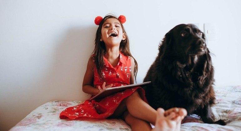 Pets ajudam a melhorar o desempenho escolar das crianças, diz pesquisa