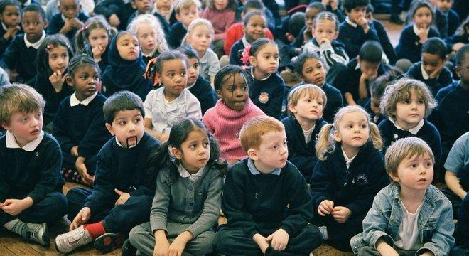 A diferença na expectativa de vida das crianças no Reino Unido deve cair nos próximos anos