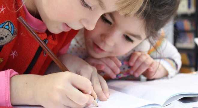 Escolas privadas irão deixar alunos prontos para o ano letivo seguinte