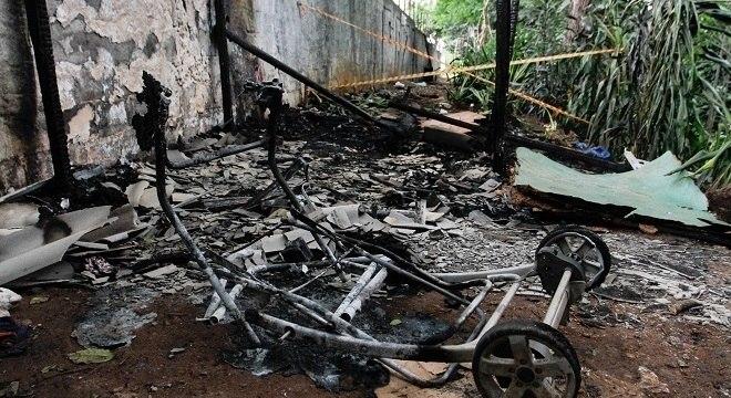 Incêndio ocorreu ao lado de uma das entradas da estação Paraíso do Metrô