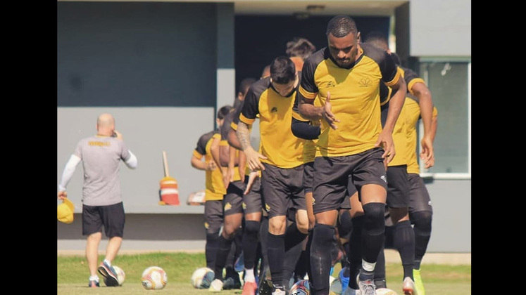 Criciúma: A equipe catarinense já figurou tanto na Série A, quanto na Série B. Em 2019, foi rebaixada para a Série C e na última temporada ficou em oitavo do grupo B. Portanto, o Criciúma permanecerá na terceira divisão no ano de 2021.