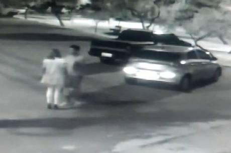 Vídeo mostra homem espancando a namorada