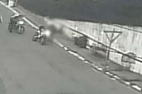 Policiais da Rocam atiraram no jovem em moto