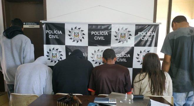 Criminosos foram detidos no bairro Jardim América, em Capão do Leão Crédito: Polícia Civil / Divulgação / CP